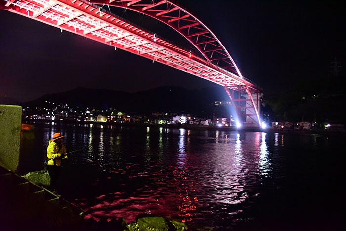 みっぴ(秋丸美帆)と音戸大橋