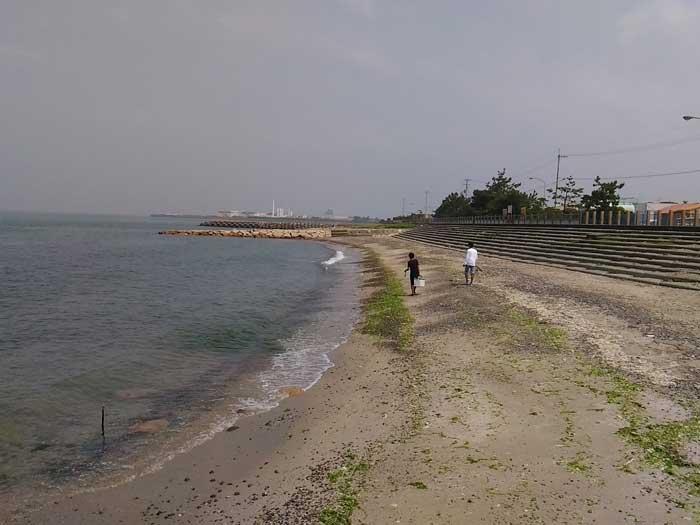 塩屋海岸を歩く