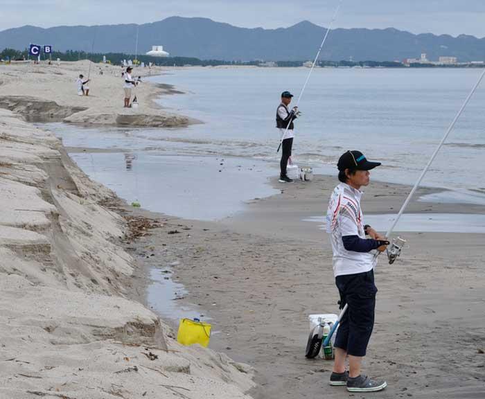 シマノジャパンカップ投 釣っているところ