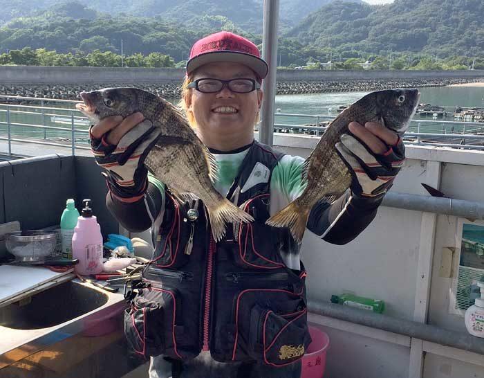 フィッシングパーク大三島 チヌ持つ CCB
