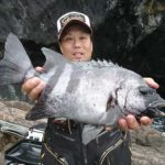 石鯛やグレをキャッチ/鶴見大島(大分県佐伯市)