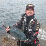 フカセ釣りで良型グレをキャッチ/日振島5番(愛媛県宇和島市)