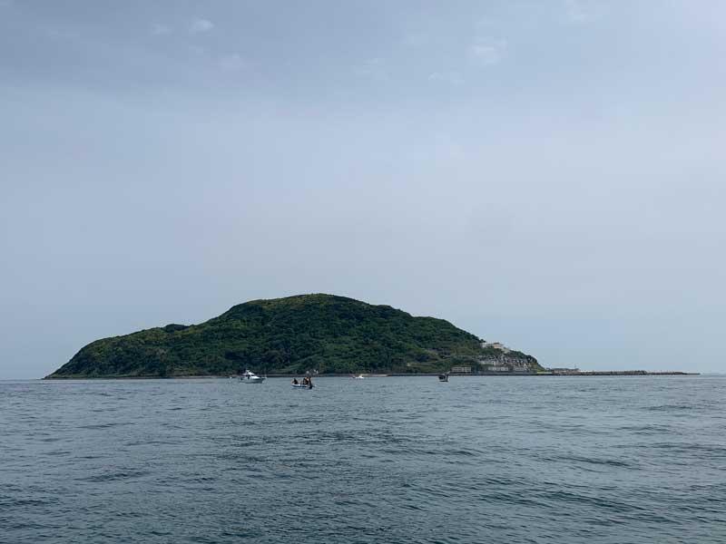 玄界島近く